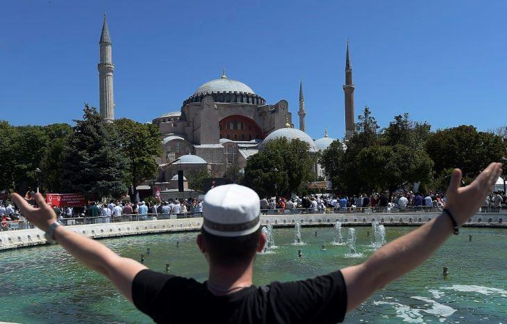 Eldurvult a vita Athén és Isztambul között a Hagia Sophia miatt