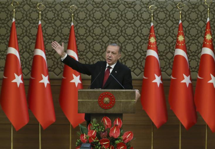 Erdogan letette az esküt, Törökországban elnöki rendszer lépett életbe