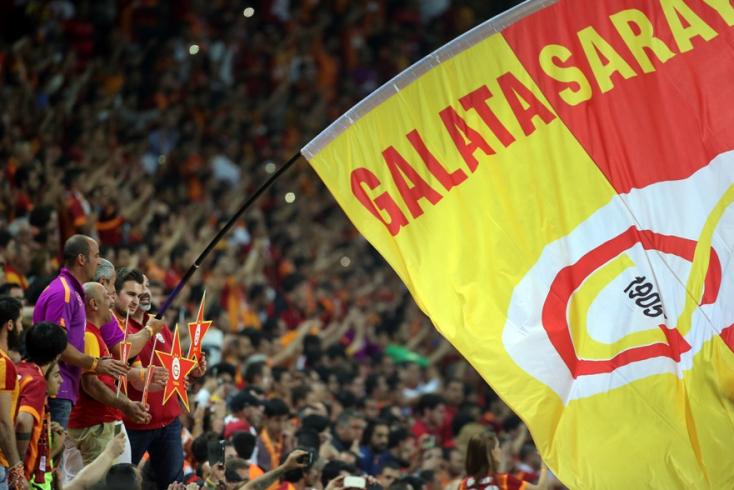 UEFA: Egy évre kizárták a Galatasarayt