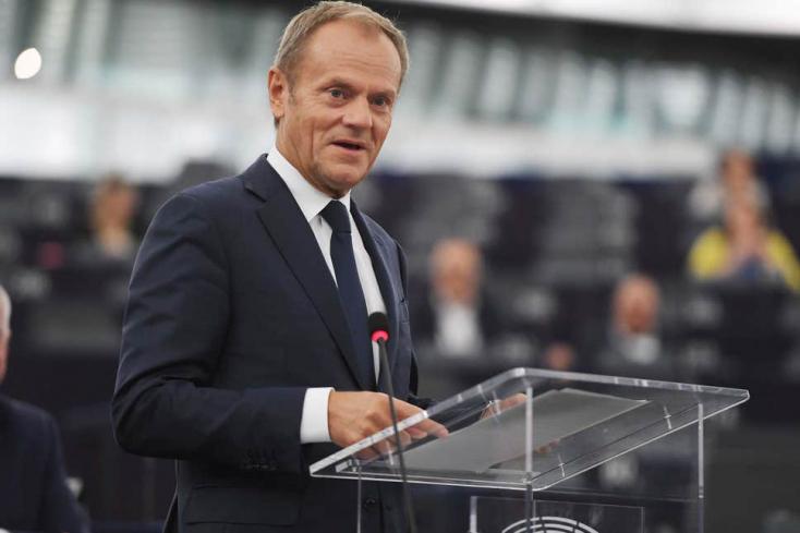 Az EU jóváhagyta a Brexit halasztását