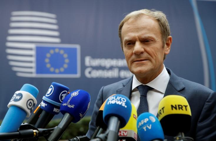 EU-csúcs: Tusk újabb szankciókat emleget az oroszok ellen