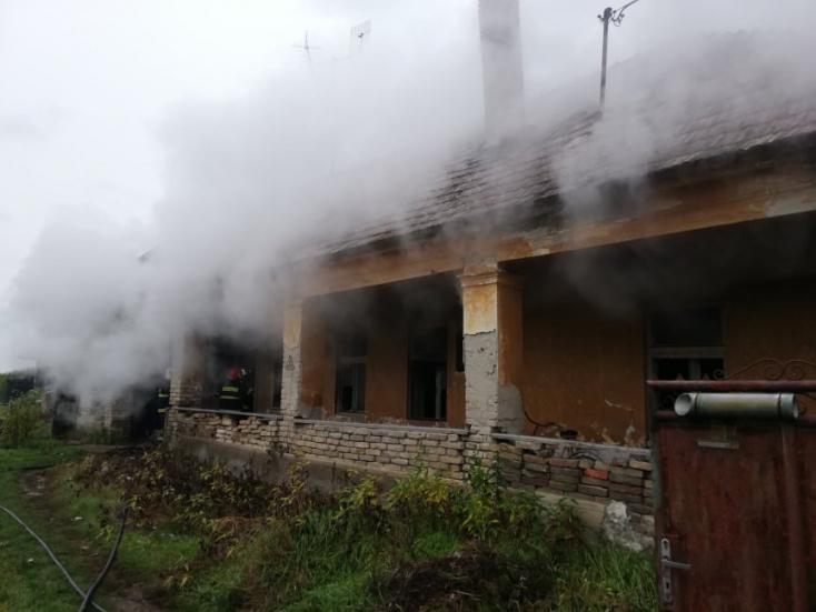 Tűz ütött ki egy családi házban Alistálon