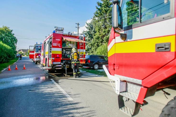 Tűz ütött ki este egy családi házban Nagymagyaron