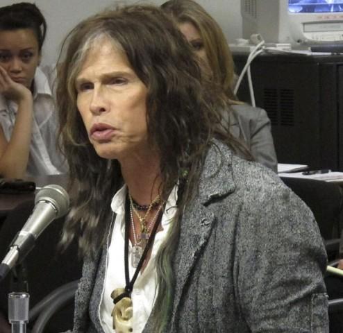 Le kellett mondani az Aerosmith fellépéseit Steven Tyler betegsége miatt