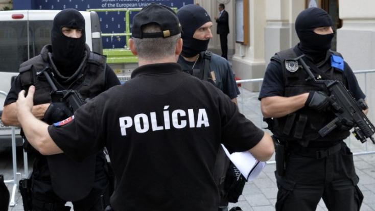 A szerb titkos riporter kitálalása után razziát tartott a rendőrség Galántán