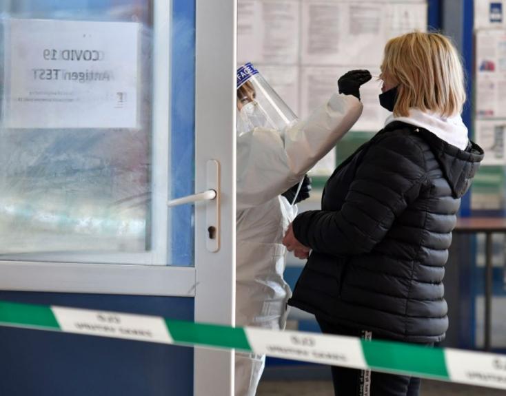 Koronavírus - Több mint 12 ezer fertőzött egy nap alatt Ukrajnában