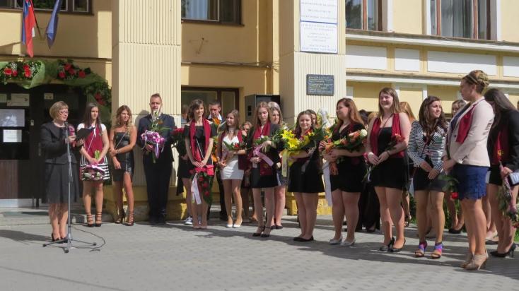 Elballagtak a nagymegyeri kereskedelmi akadémia és gimnázium diákjai