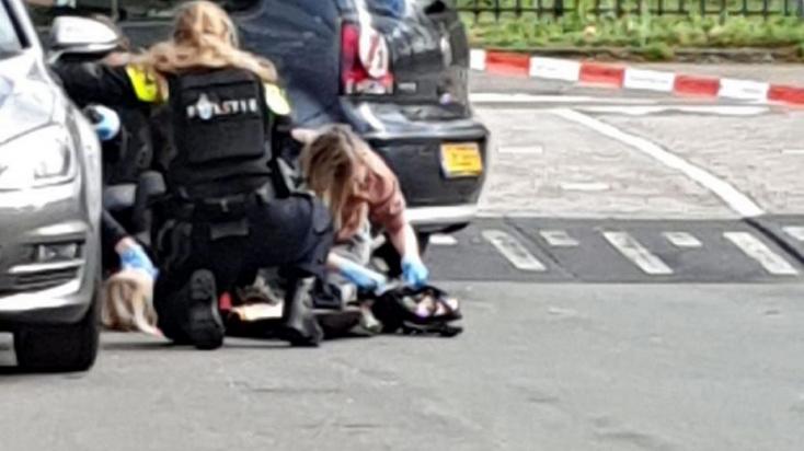 Terror Hollandiában: még nem kapták el az utrechti villamoson lövöldöző férfit