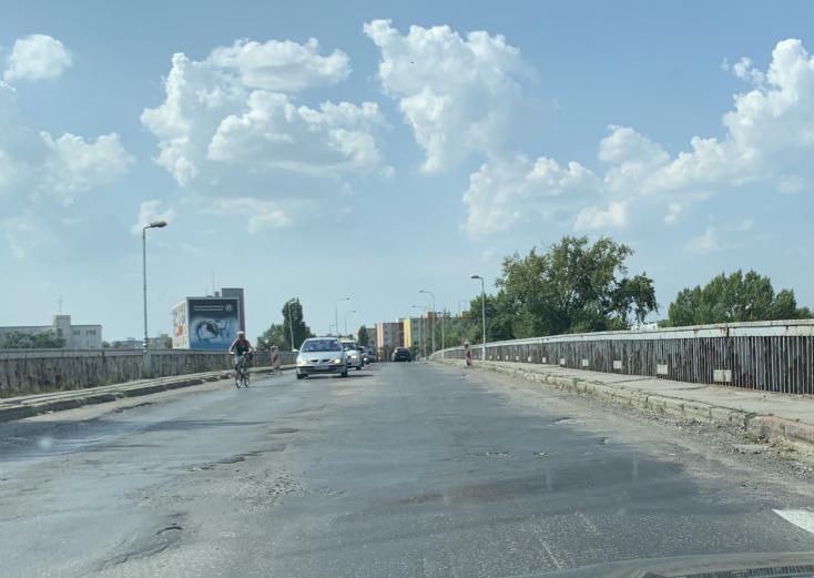 Komárom képviselő-testülete határozatban fejezte ki elégedetlenségét a Vág-híd állapotával kapcsolatban