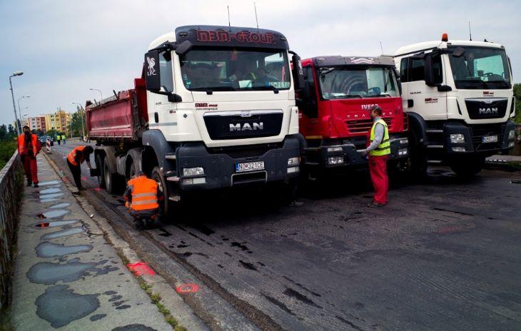 Újraindult a teherforgalom a komáromi Vág-hídon