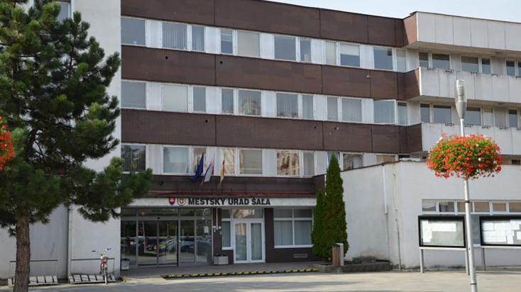330 ezer eurós bírságot kapott Vágsellye városa!