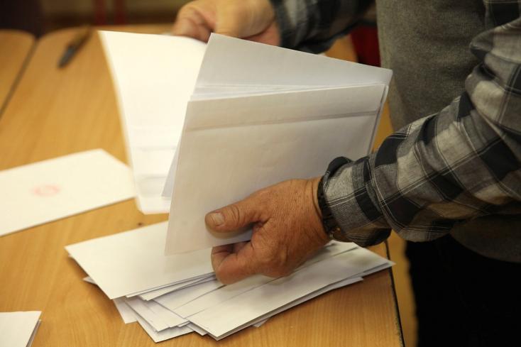 Egy hónapjuk maradt a külföldi választóknak, hogy kérvényezzék a szavazólapokat