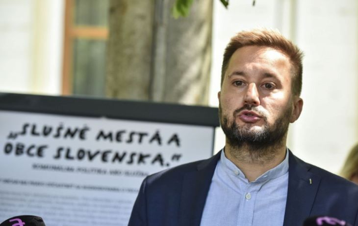 Fizetésének csökkentését kérte Pozsony főpolgármestere