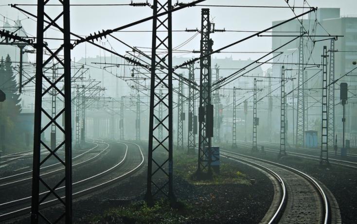 Baleset miatt vesztegelnek a vonatok Kútynál