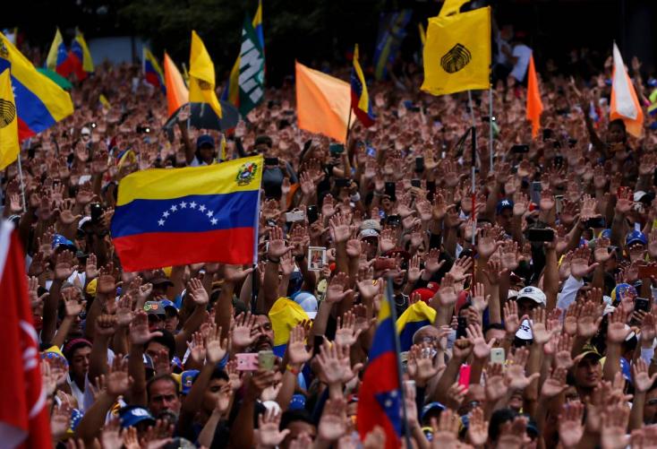 300 venezuelai menekültet fogadott be az Orbán-kormány