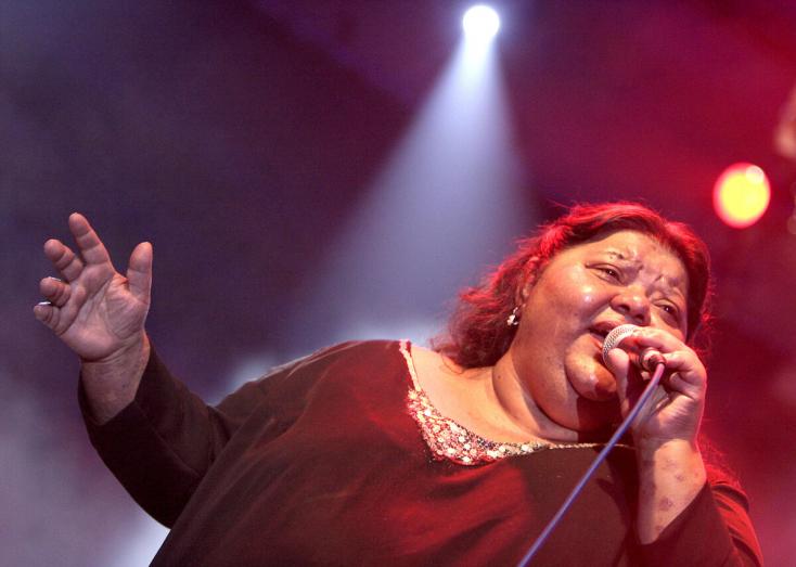 Meghalt a legendás roma énekesnő