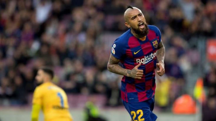 Arturo Vidal beperelte az FC Barcelonát