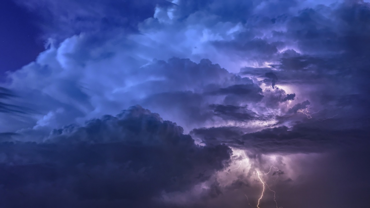 Csütörtökön is belerondíthat a vihar a nyári melegbe – elsőfokú riasztást adtak ki
