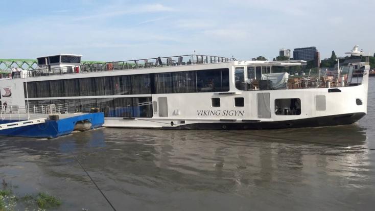 Dunai hajóbaleset: Jogerősen elrendelték a Viking Sigyn kapitányának bűnügyi felügyeletét