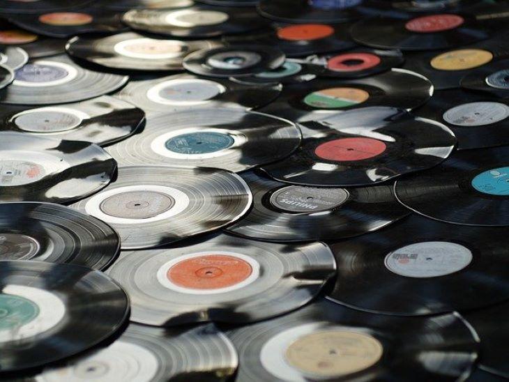 A nyolcvanas évek óta először előzte meg a vinyl lemezeladás a CD-t Amerikában