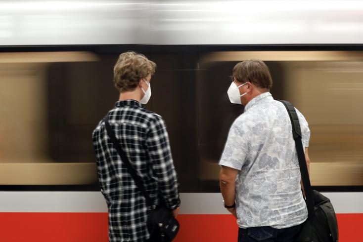 Aggasztó a helyzet Csehországban, újra kétezer felett a napi esetek száma