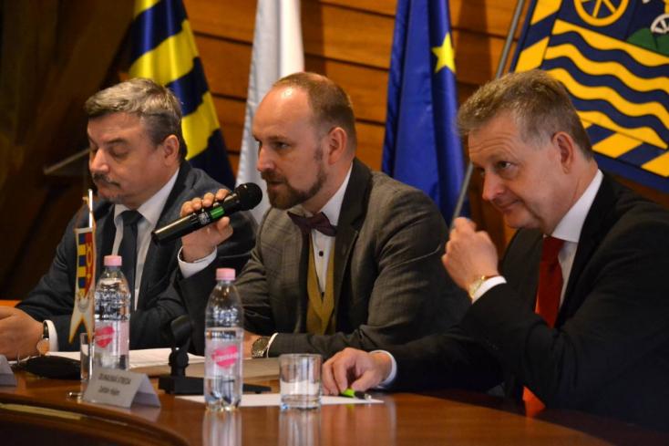 Közlekedés, oktatás, színház - Viskupič ismét felmérte a terepet és ígért Dunaszerdahelyen