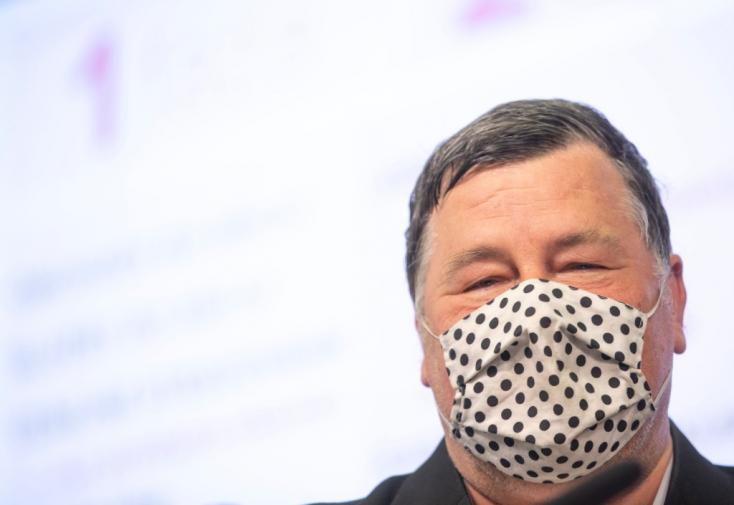Vladimír Krčméry is támogatja a tömeges tesztelést, és erre számos oka van