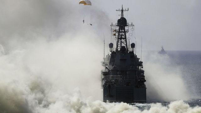 Nagyszabású hadgyakorlatba kezdtek orosz hadihajók a Fekete-tengeren