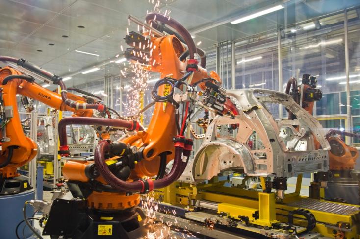 Bérlakásokat, iskolát és utaztatást ígért Matovič a Volkswagennek, azóta csönd van
