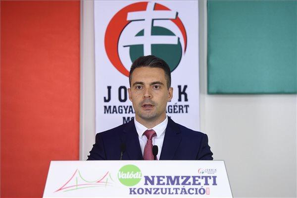 Vona: Orbán Viktor egy hatalmas öngólt rúgott