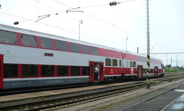 Átlagosan félóránként indul majd vonat Szencről Pozsonyba