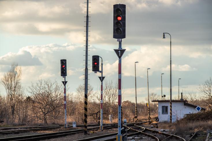 A Vágsellye és Negyed közötti vasúti forgalom visszaállítását kéri a lakosság