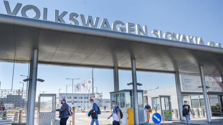Chiphiány miatt jövő héttől korlátozzaa termelést a pozsonyi Volkswagen