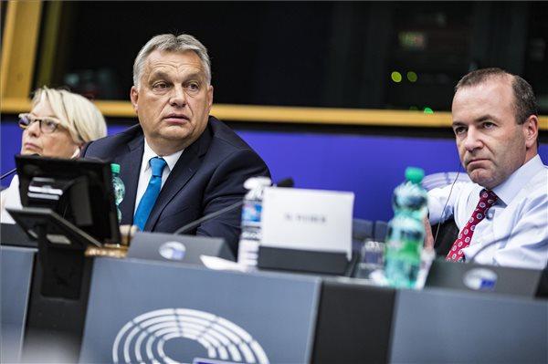 Orbánnak beint a pártcsalád feje, mert hiányolja akompromisszumkészséget