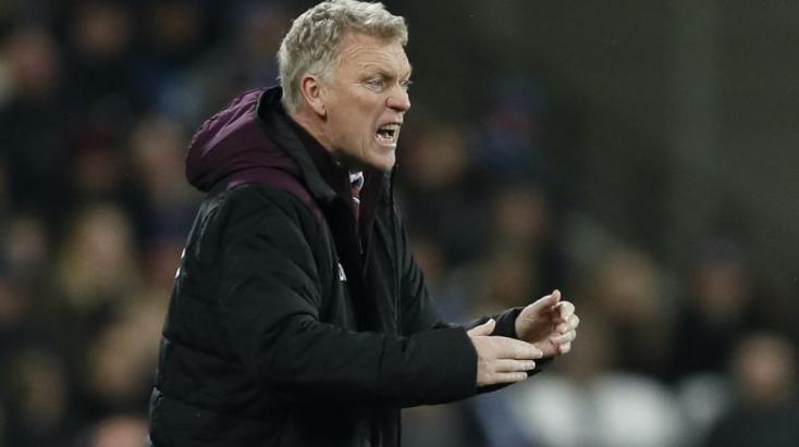 AWest Ham United vezetőedzője és két játékosais koronavírusos