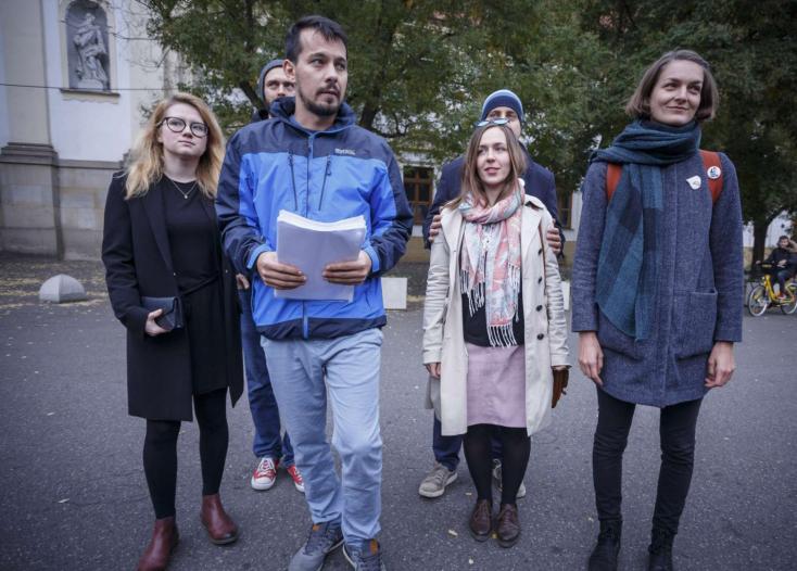 Váratlanul beszüntették a Tisztességes Szlovákia szervezőinek vegzálását