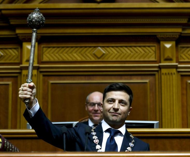 Ukrajnában előrehozott parlamenti választásokat tartanak júliusban