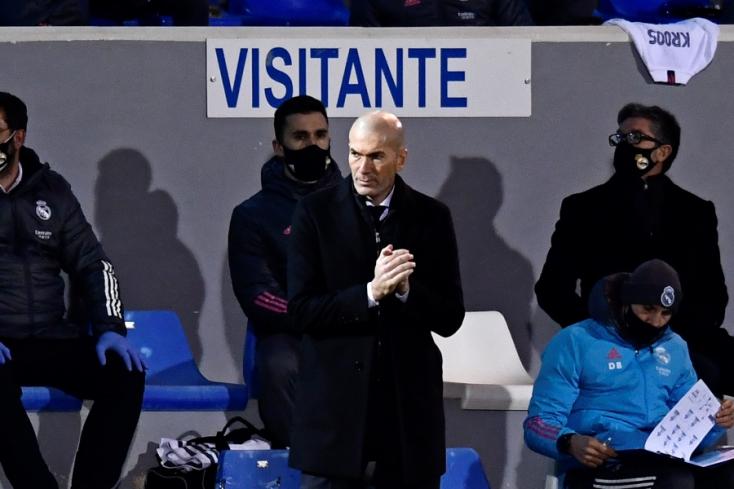 Vége lehet a Zidane-korszaknak, a Real Madrid szurkolói Raúlt akarják