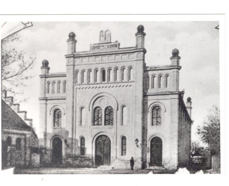 A dunaszerdahelyi zsinagóga a legszebb és a legnagyobb templomok közül való volt egész Nagy-Magyarországon*